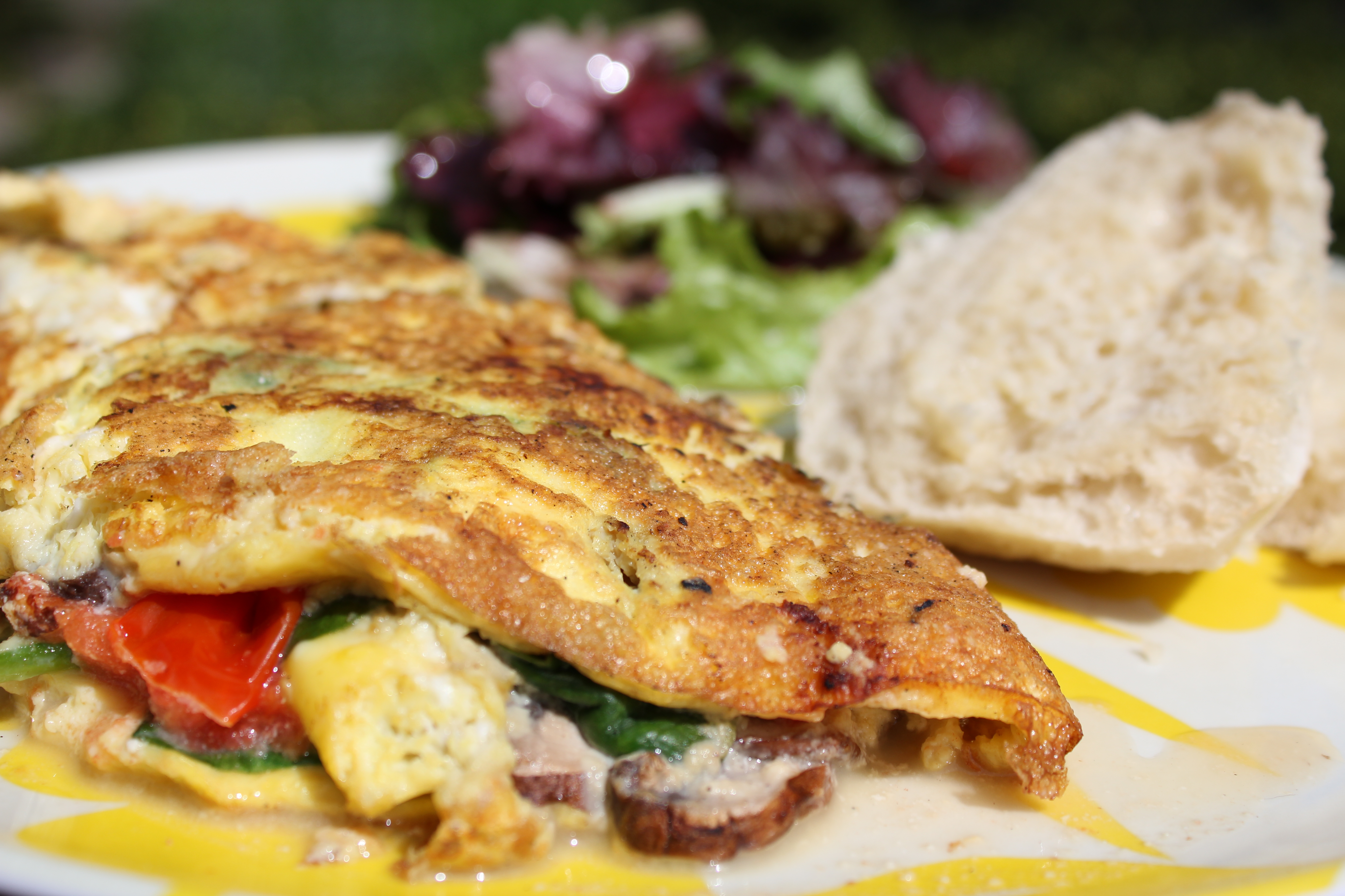 Baby Bella, Tomato, Spinach & Goat Cheese Omelette with Raspberry ...